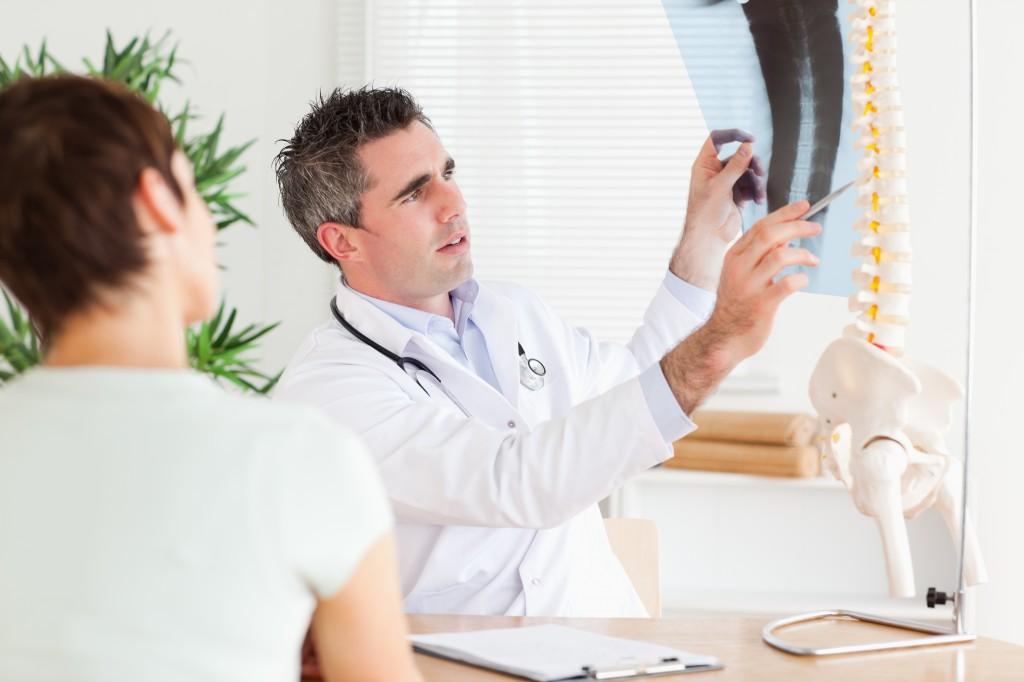 Упражнения при остеохондрозе позвоночника видео с палкой