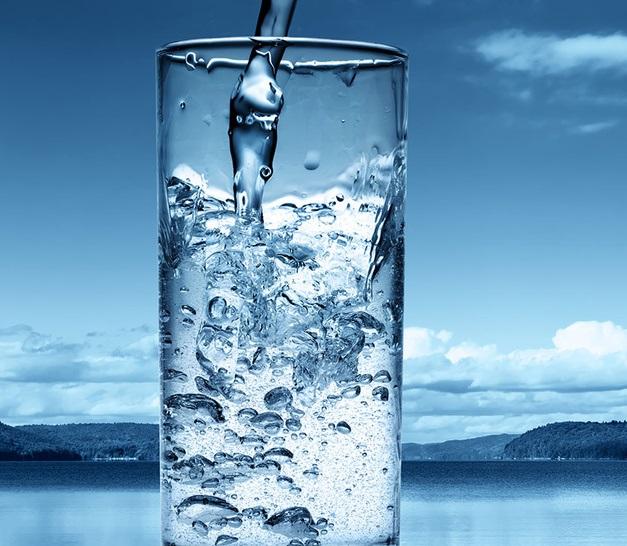 При грыже позвоночника должен быть соблюден питьевой режим