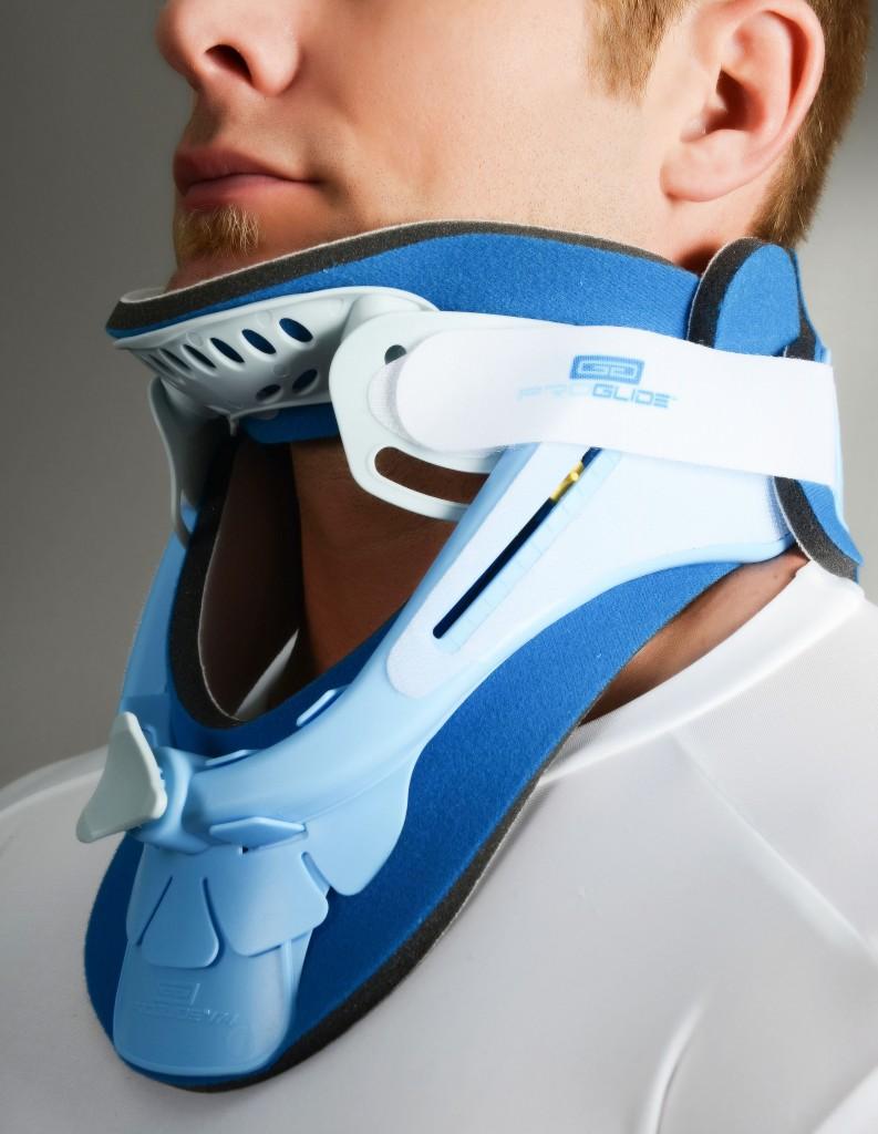 При серьезной травме или после оперции для ношения применяется другая модификация воротника Шанца