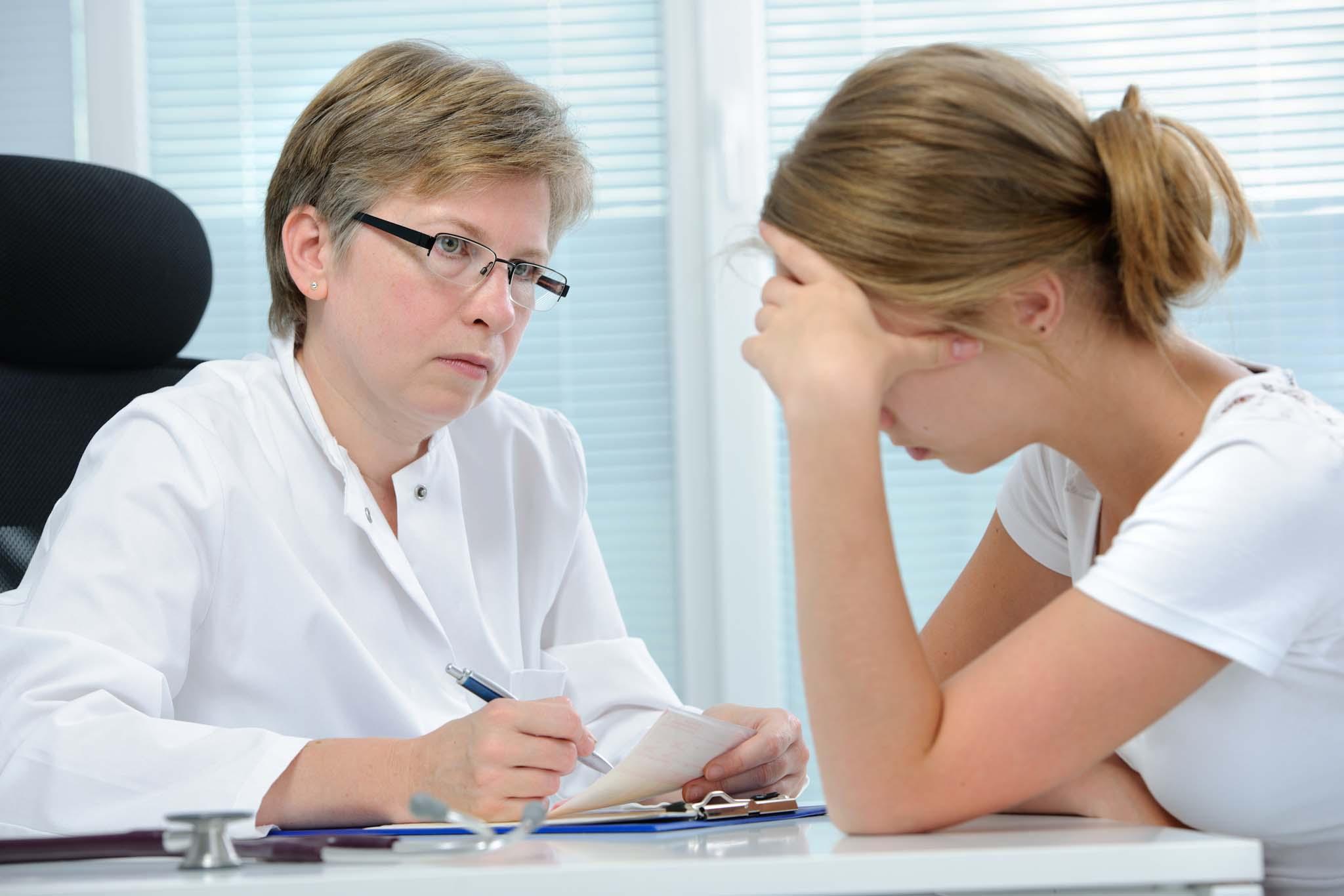 Признаки остеохондроза у женщин